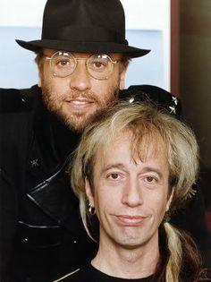 Maurice Gibb(1949-2003)  Robin Gibb(1949-2012)
