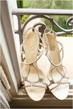 Zapatos René Caovilla    Imagen de estudio del reloj, más http://www.frenchweddingstyle.com/wedding-in-grasse-south-france/
