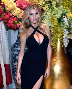Charlotte McKinney Attends Encore Player's Club Grand Opening At Wynn Las Vegas Tight Dresses, Formal Dresses, Charlotte Mckinney, Blonde Beauty, Grand Opening, Celebrity Crush, Amazing, Awesome, Sexy