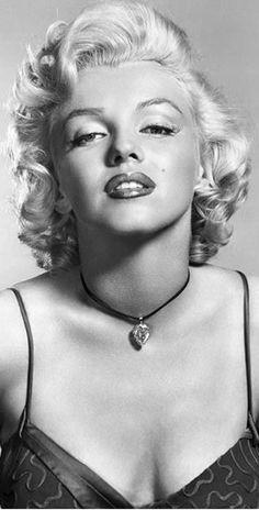 Marilyn Monroe by Frank Powolny, Fotos Marilyn Monroe, Marilyn Monroe Artwork, Marilyn Monroe Portrait, Hollywood Actor, Classic Hollywood, Old Hollywood, Robert Mapplethorpe, Annie Leibovitz, Bert Stern