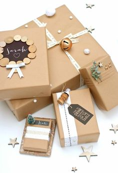 Brown Paper Packages Tied Up with String - super gift wrap ideas for the crafty-. - Brown Paper Packages Tied Up with String – super gift wrap ideas for the crafty-minded - Present Wrapping, Creative Gift Wrapping, Creative Gifts, Gift Wrapping Ideas For Birthdays, Birthday Wrapping Ideas, Pretty Packaging, Gift Packaging, Christmas Gift Wrapping, Christmas Gifts