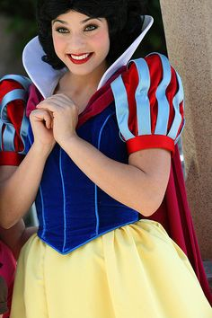 Snow White Adult Costume Walt Disney Princess Cosplay + Cloak + Headwear