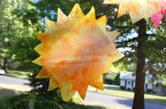 Quick Craft — Tie Dyed Sunshine Ornaments. Kid-friendly too!