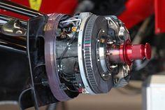f1 Los frenos delanteros de una de las #Ferrari #F138 en #Monza