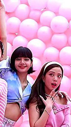 Black Pink Songs, Black Pink Kpop, Anime Cosplay Girls, Pink Ocean, Aesthetic Editing Apps, Kpop Girl Bands, Aesthetic Photography Grunge, Black Pink Dance Practice, Lisa Blackpink Wallpaper