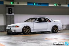 Love me a good Skyline. R33