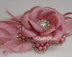 Tiaras de lujo perlas de la flor w / Rose del satén