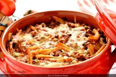 Dieci ricette per un pranzo di Ferragosto tutto siciliano, dagli arancini ai timballi, passando per braciole e gelo di anguria.  Ten recipes for a sicilian mid-August lunch