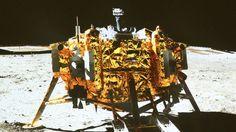 Das chinesische Mondfahrzeug #Yutu ('Jadehase') hat erste Aufnahmen von der Oberflaeche des Erdtrabanten uebermittelt #China #Mondlandung #Weltraum #Weltall #space