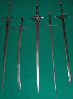 Средневековое холодное оружие - Антикварное оружие, военный антиквариат, антикварное холодное оружие, продажа в Москве, магазин: сабли, кинжалы, штыки, тесаки, кортики, шпаги