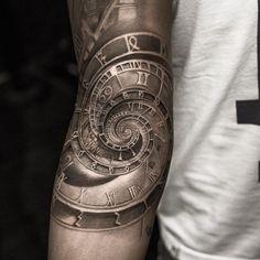 Tattoo photo - Astronomical clock tattoo by Niki Norberg Japanese Sleeve Tattoos, Full Sleeve Tattoos, Tattoo Sleeve Designs, Cool Forearm Tattoos, Body Art Tattoos, Hand Tattoos, Clock Tattoos, Forarm Tattoos, Tattos