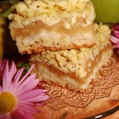 Placinta cu mere si aluat razuit Sweet Desserts, Cake Cookies, Vanilla Cake, Tiramisu, Great Recipes, Sweet Treats, Cheesecake, Goodies, Vegetarian