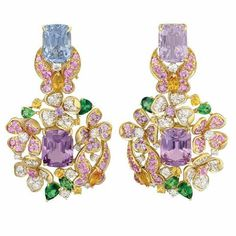 @margotmckinneyjewellery These earrings have not one, but two pairs of extraordinary violet Spinel, in varying hues. The gem cutter who cuts this Spinel for me is a genius and manages to fully showcase the radiance and sparkle for which these amazing gems are legendary. #spinel #luxuryjewelry #oneofakind #hautejoaillerie #butterflies