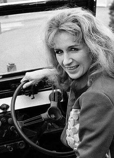 Liz Shaw at the wheel of Bessie Sarah Jane Smith, Sci Fi Tv Series, Jon Pertwee, Doctor Who Companions, Classic Doctor Who, Watch Doctor, Dr Who, Take That, Hero