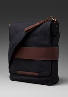NIXON Port Messenger Bag in Black