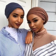 This Headwrap African super wax fabric is a great way to bring a cultural flavor. - It's A Wrap - Head Wraps Turban Mode, Turban Hijab, My Hairstyle, Scarf Hairstyles, Hair Wrap Scarf, Head Scarf Styles, African Head Wraps, Turban Style, Scene Hair