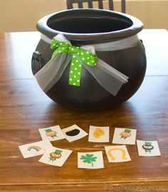 St Patricks Singing Time Idea - if kids draws a shamrock, they are lucky and get to pick the song, if they draw a leprechaun, it's a trick, and their teacher picks the song! Cute idea and pretty easy to execute. ;)