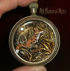 Steampunk Fashion: Watch Sculpture Steampunk Art by Susan Beatrice Props to Bored Panda for introducing me to Susan Beatrice and her amazing steampunk art made Art Steampunk, Steampunk Watch, Steampunk Cosplay, Steampunk Fashion, Steampunk Animals, Old Watches, Antique Watches, Pocket Watches, Vintage Watches