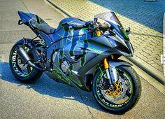 - motorcycles-and-more: Kawasaki Ninja ZX-10R