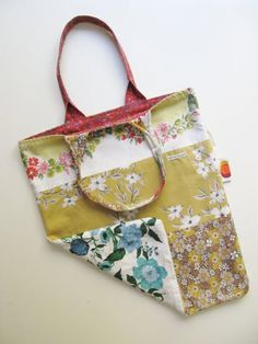 Tif of Dottie Angel is retiring her summery patchwork sack in favor of a new version she thinks is a better fit for cooler weather. Handmade Handbags, Handmade Bags, Sewing Crafts, Sewing Projects, Dottie Angel, Patchwork Bags, Crazy Patchwork, Fabric Bags, Fabric Basket