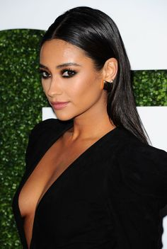shay mitchell slicked back - Google zoeken                                                                                                                                                                                 More