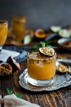 Passion Fruit and Rum Cocktail Fun Cocktails, Cocktail Recipes, Easy Cooking, Cooking Recipes, Yummy Drinks, Yummy Food, Smoothies, Alcohol Drink Recipes, Sushi