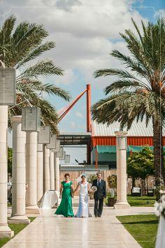 הילה ודיויד, 4.10.13, צילום: Mark 4 Wedding הפוסט המלא: http://urbanbridesmag.co.il/ #classy #elegant #wedding #gown #suit #tie #lace #hug #kiss #love #sweet #urbanbrides #wedding_blog