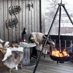 Cabin Style Winter Terrace With Wicker Chairs And A Wooden Table Balkon Design, Winter Cabin, Winter Fire, Cozy Winter, Apartment Balconies, Wicker Chairs, Outdoor Living, Outdoor Decor, Outdoor Bars