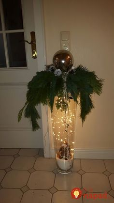 tall vase with hanging christmas balls lights I know this is the wrong color mor. - Beliebteste Bilder tall vase with hanging christmas balls lights I know this is the wrong color mor. Decoration Christmas, Noel Christmas, Outdoor Christmas, Christmas Balls, Xmas Decorations, Vintage Christmas, Christmas Wreaths, Christmas Ornaments, Holiday Decor