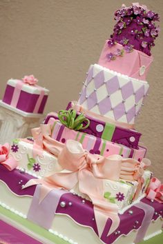 awesome idea-present cake Gorgeous Cakes, Pretty Cakes, Cute Cakes, Amazing Cakes, Crazy Cakes, Fancy Cakes, Fancy Desserts, Take The Cake, Love Cake