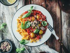 Vegetonnikala pasta puttanesca (vegaani, gluteeniton) // Viimeistä Murua Myöten