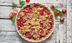 Báječný špaldový koláč s jahodami a rebarborou. Galette, Chana Masala, Vegetable Pizza, Pie, Vegetables, Ethnic Recipes, Food, Treats, Sweet