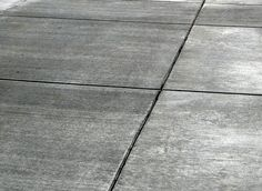 Broomed concrete with tint