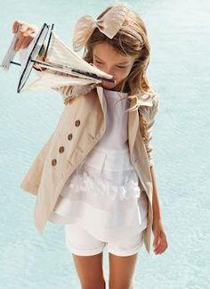 I love this neutral girlie/classic outfit . It looks cute and comfortable! Little Girl Fashion, My Little Girl, My Girl, Little Fashionista, Young Fashion, Fashion Kids, Dope Outfits, Girl Outfits, Cooler Look