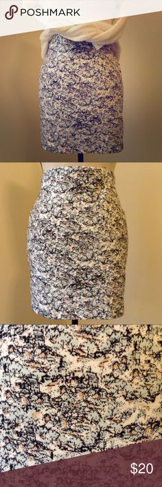 BCBGeneration bodycon printed skirt 95% polyester 5% spandex stretchy bodycon skirt with a 4 inch inner compressing waistband, 16 inch length/ 17 inch back length. Subtle mint and peach colors through out. BCBGeneration Skirts