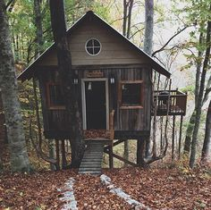 treehouse cabin.