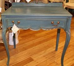 Mixture of Aubusson Blue and Napoleonic Blue Chalk Paint® decorative paint by Annie Sloan along with a lovely wash of Florence and Coco By: http://www.oleandinga.com/