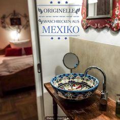 Ethno Stil Badezimmer mit einem wunderschönen Waschbecken von Mexambiente #ethno #rustikal #bunt #landhaus #country #mediterran
