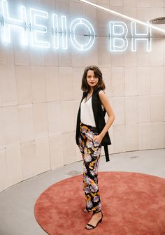 10 looks para te inspirar (e pinar!) - Lu Ferreira | Chata de Galocha! Harem Pants, Fashion, Black Vest, Outfit, Spring Summer, Dressmaking, Moda, La Mode, Harlem Pants