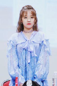 YUQI South Korean Girls, Korean Girl Groups, Soo Jin, Cube Entertainment, Soyeon, Minnie, Girl With Hat, New Girl, Short Girls