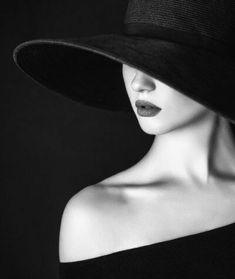 Black White – KIRSTEINFINEART