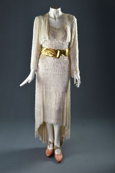 """Bette Davis, """"Marked Woman,"""" Warner Brothers, Designed by Orry-Kelly, The Collection of Motion Picture Costume Design: Larry McQueen 1930s Fashion, Fashion Tv, Fashion History, Boho Fashion, Vintage Fashion, Bette Davis, Hollywood Gowns, Hollywood Costume, Orry Kelly"""