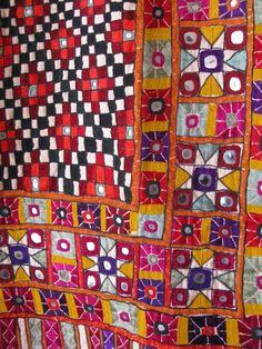 """Folk-Art from Gujarat, India (Uebrigens bis genau in diesen Stamm der """"Gujjus"""" reichen meine Wurzeln)"""