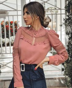 Stylish Tops, Trendy Tops, Hijab Fashion Inspiration, Style Inspiration, Dress Outfits, Casual Dresses, Street Hijab Fashion, Western Tops, Look Fashion
