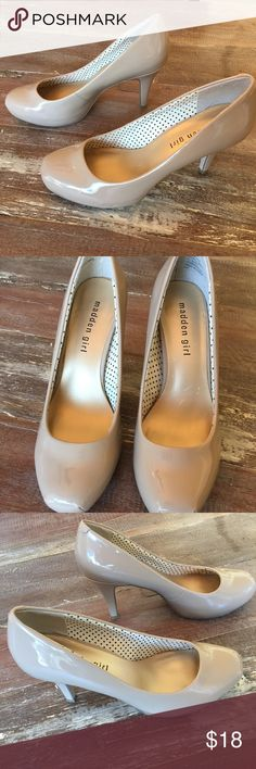Madden Girl nude heels Beautiful shoe! Beautiful condition! Madden Girl Shoes Heels