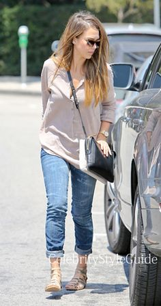 31f97f2c84551 Seen on Celebrity Style Guide  Jessica Alba wore a pair of Rolled Skinny  jeans in