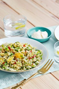 Low-Carb Indonesian Nasi Goreng with Cauliflower - Diet Doctor Low Carb Menus, Low Carb Meal Plan, Low Carb Diet, Diet Meal Plans, Lchf Diet, Ketogenic Diet, Low Carb Vegetarian Recipes, Low Carb Recipes, Diet Recipes