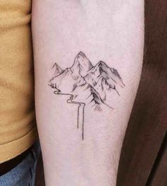 23 Remarkable Mountain Tattoos - Tattoo Insider 23 Remarkable Mountain Tattoos - Tattoo Insider This Detailliertes Tattoo, Form Tattoo, Shape Tattoo, Tattoo Fonts, Creative Tattoos, Unique Tattoos, Small Tattoos, Random Tattoos, Feminine Tattoos