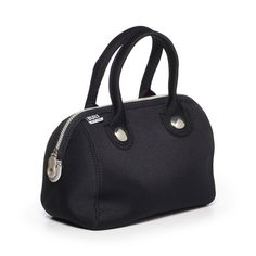 Uptown lunch tote from Built NY looks like a swanky handbag. We love this!