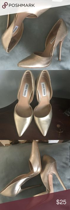 Steve Madden Gold Metallic Pumps Shine with these Steve Madden Gold Metallic Pumps. True to size. 4 1/2 inch heel. Pretty good condition. Have worn several times but these are easy to clean. Steve Madden Shoes Heels